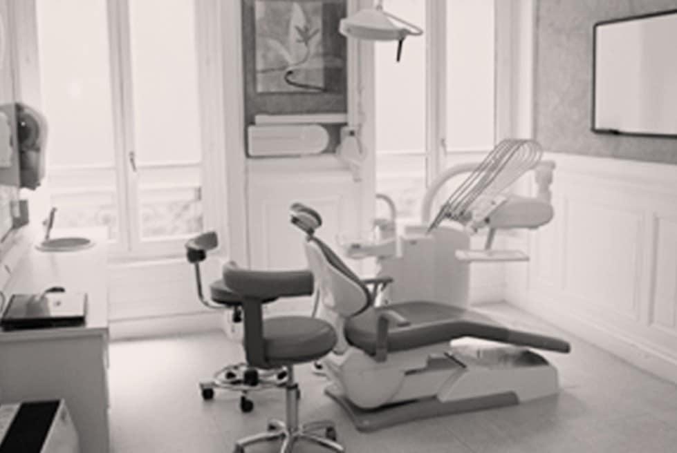 Cabinet dentaire à Lyon - Dr Serge Sobol : Chirurgien-dentiste