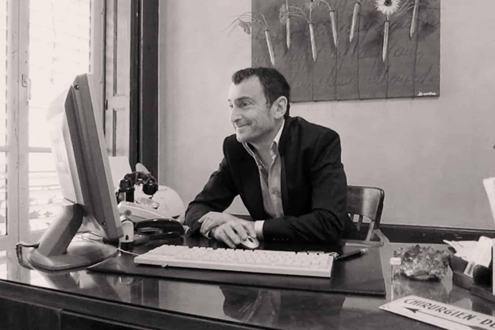 Docteur Serge Sobol : Specialiste en chirurgie esthétique dentaire à Lyon